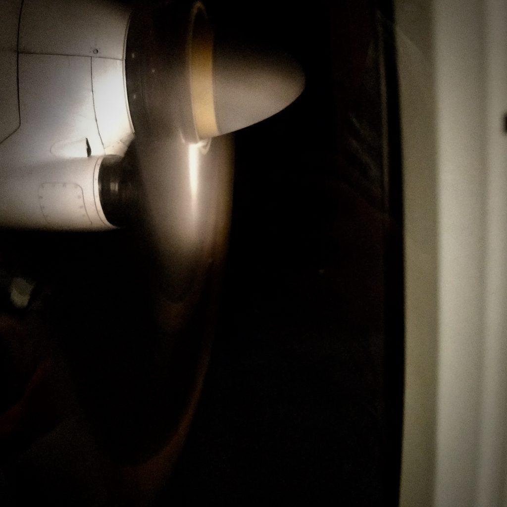 Et kig ud på flyet propel på vej hjem fra Bornholm
