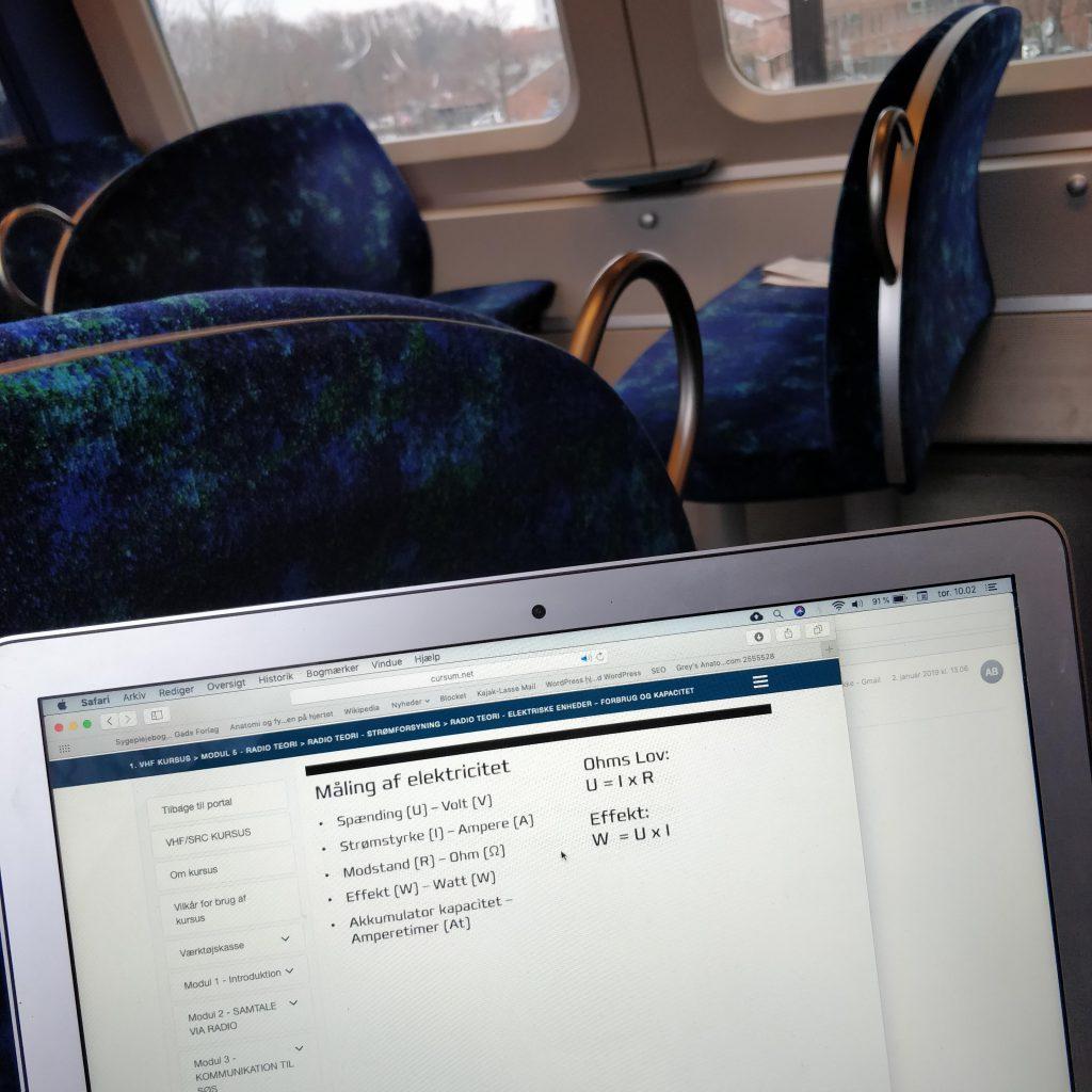 Oplæsning til VHF prøven i toget til Køge